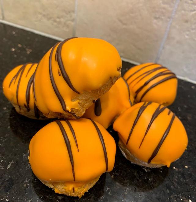 Afbeelding van Oranje slagroom soesjes